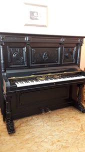 Gebraucht: traumhaft schönes Antiquität-Konzert-Klavier